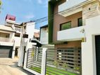 3 Story Super Luxury 4br House Sale in Pelawatthe