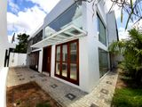 Architecture Designed Spacious House For Sale in Thalawathugoda