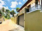 2 Storey Luxury 4 Br House for Sale in Thalawathugoda (se100)