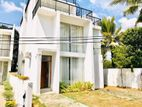 House for Sale in Thalawathugoda with Full Furniture