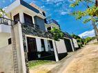 Luxury 3 Storey Brand New House for Sale in Thalawathugoda