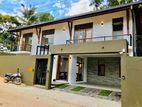 (6) Brand New Luxury House For Sale in Thalawathugoda