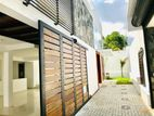 Newly House for Sale in Thalawathugoda