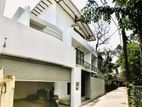 Brand New Super Luxury House For Sale in Thalawathugoda
