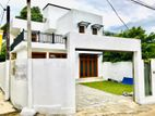 Se Brand New Luxury 2 Story House for Sale in Thalawathugoda