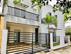 Luxury 2 Story House For Sale in Hokandara Junction