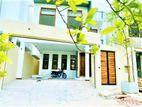 House For Sale in Thalawathugoda.