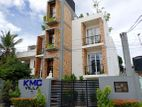 Three Story Luxury Villa For Rent in Mount Lavinia